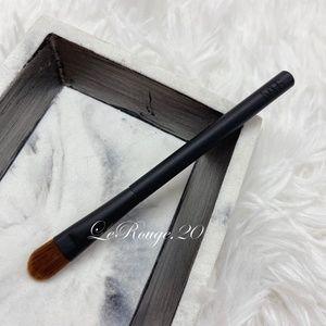 Nars travel 49 wet dry eyeshadow / concealer brush